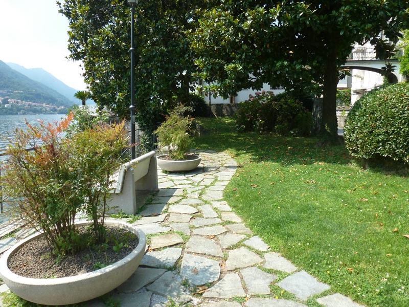 Architetto versace attivit progettazione aree verdi - Giardini curati ...